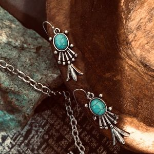 Only 2 🦋WESTERN TURQUOISE SQUASH BLOSSOM EARRINGS